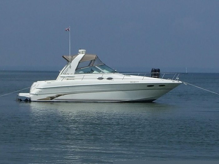1999 Sea Ray Sundancer 310 Photo 1 of 15