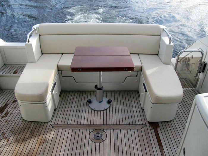 2006 Azimut 43S Photo 8 of 20