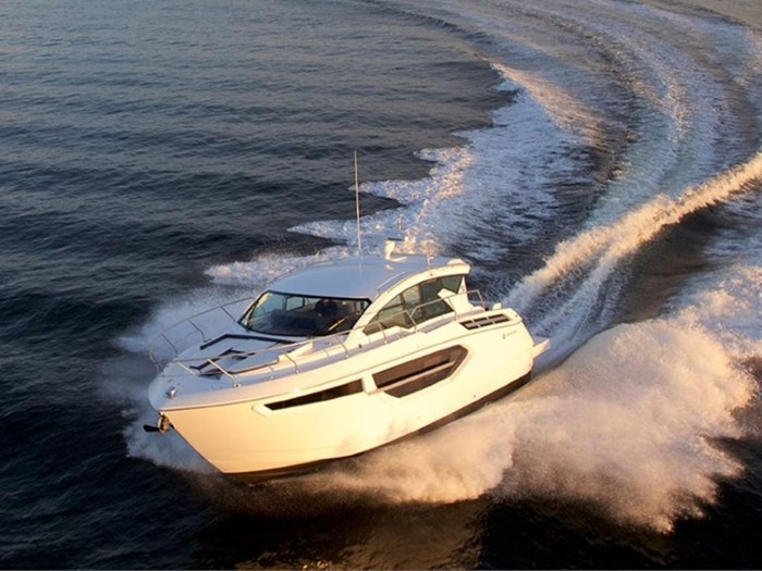 2020 Cruisers Yachts 42 Cantius Photo 2 sur 16