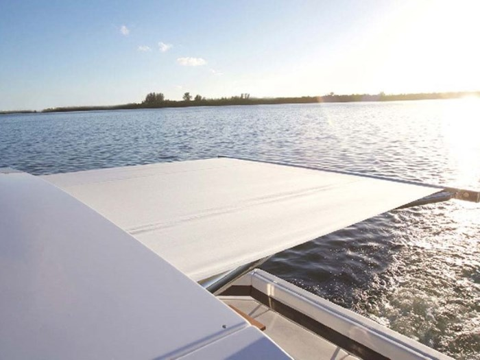 2020 Cruisers Yachts 42 Cantius Photo 3 sur 16