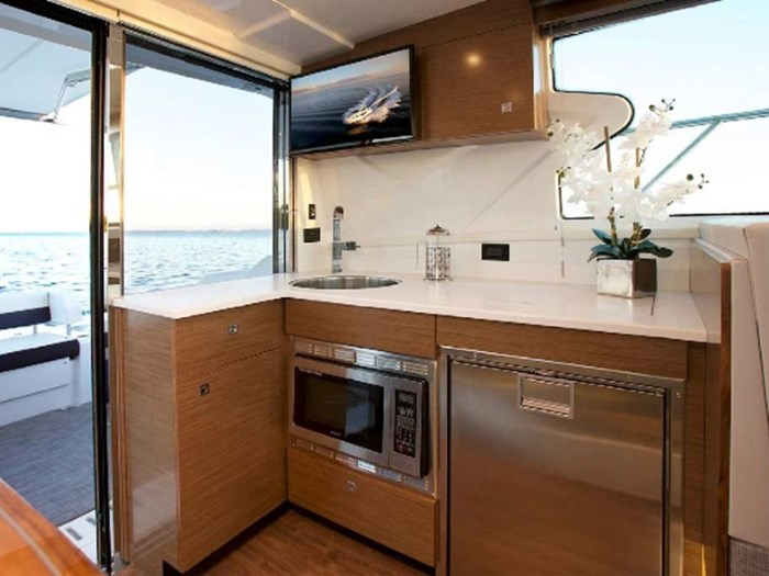 2020 Cruisers Yachts 42 Cantius Photo 12 sur 16