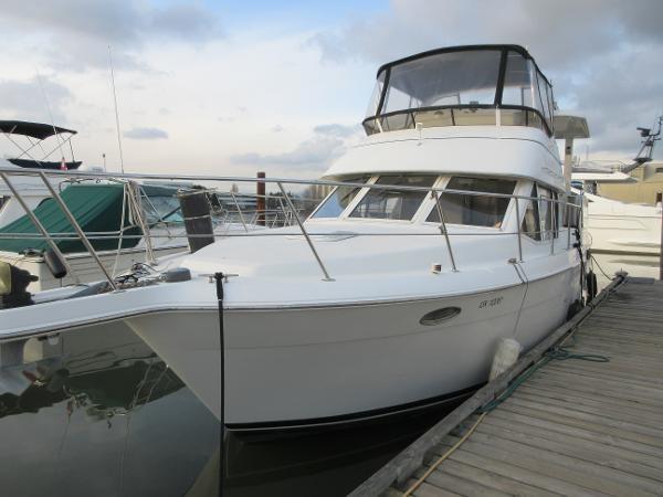 1997 Carver 40 Motor Yacht Photo 1 sur 91