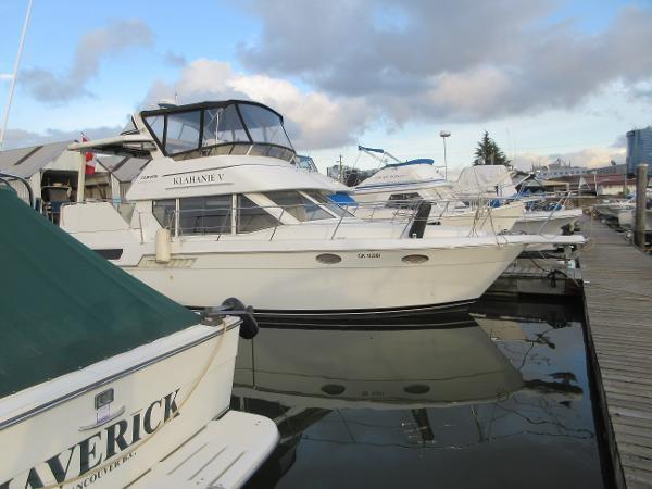 1997 Carver 40 Motor Yacht Photo 8 sur 91