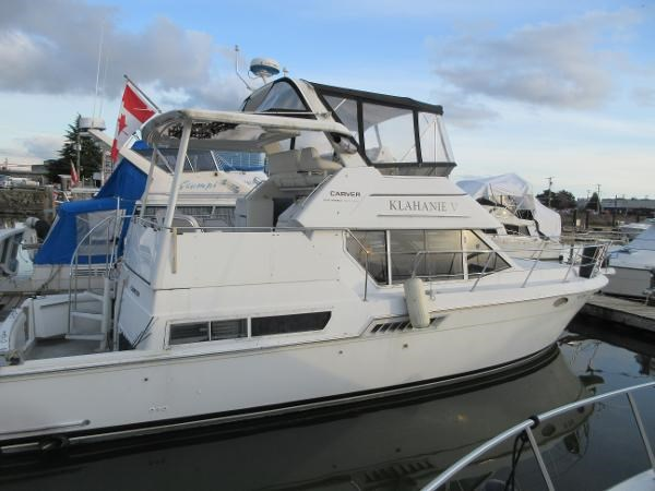 1997 Carver 40 Motor Yacht Photo 9 sur 91