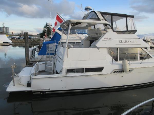 1997 Carver 40 Motor Yacht Photo 10 sur 91