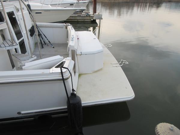1997 Carver 40 Motor Yacht Photo 15 sur 91