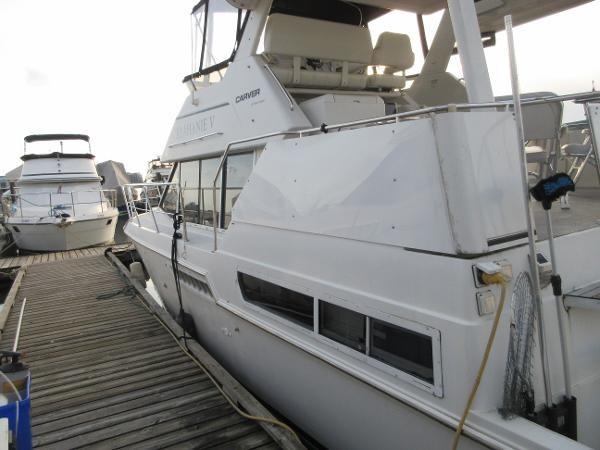 1997 Carver 40 Motor Yacht Photo 18 sur 91