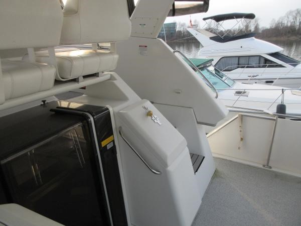 1997 Carver 40 Motor Yacht Photo 24 sur 91