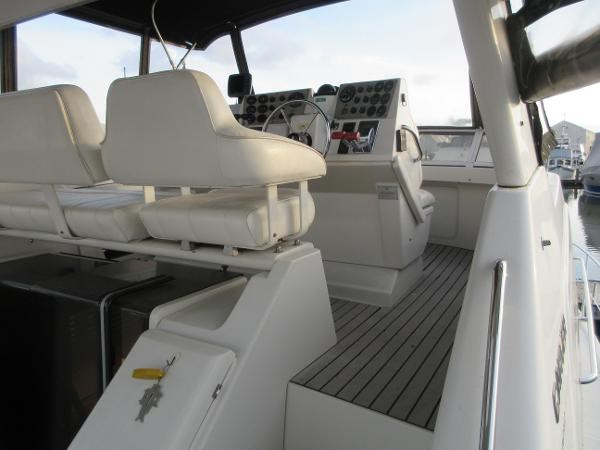 1997 Carver 40 Motor Yacht Photo 26 sur 91