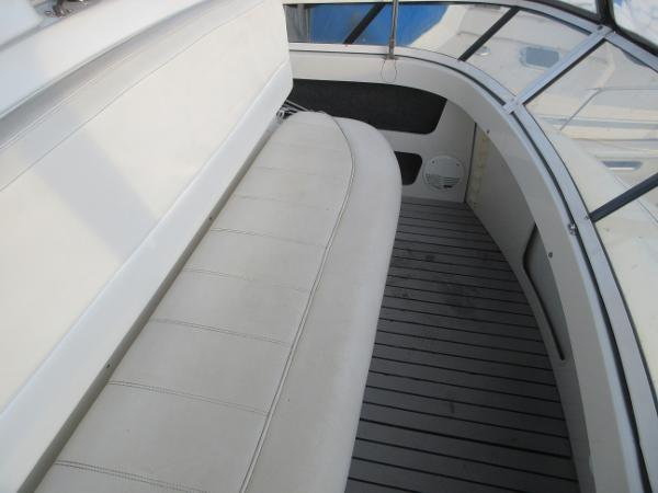 1997 Carver 40 Motor Yacht Photo 36 sur 91