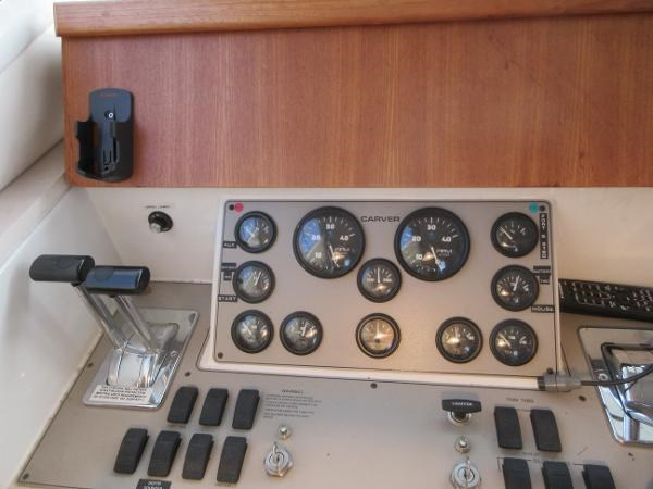 1997 Carver 40 Motor Yacht Photo 50 sur 91