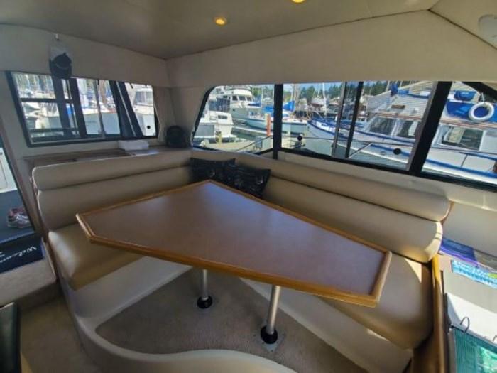 1998 Bayliner 3388 Command Bridge Motor Yacht Photo 11 of 19