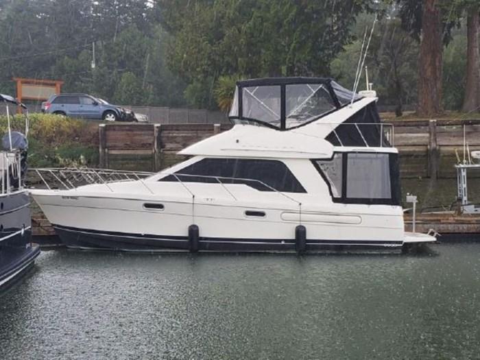 1998 Bayliner 3388 Command Bridge Motor Yacht Photo 2 of 19