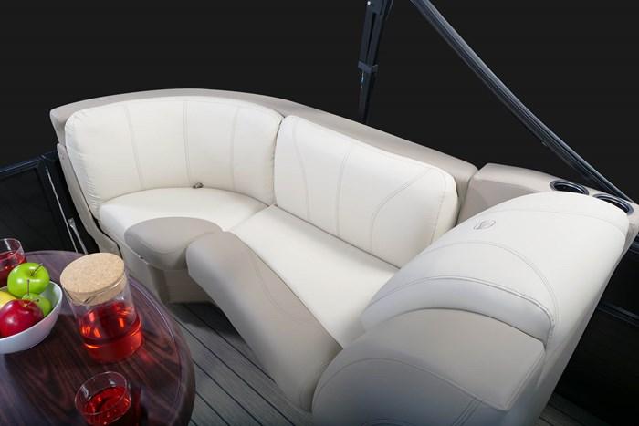 2020 Legend L-Series Lounge Photo 12 sur 13
