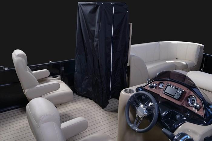 2020 Legend L-Series Dual Lounge Photo 3 sur 13
