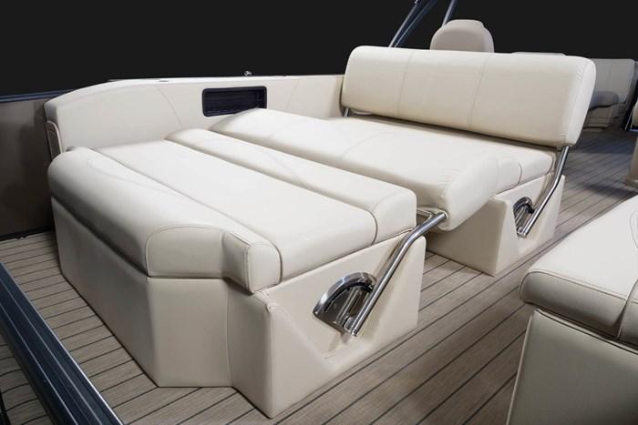 2020 Legend L-Series Dual Lounge Photo 9 sur 13
