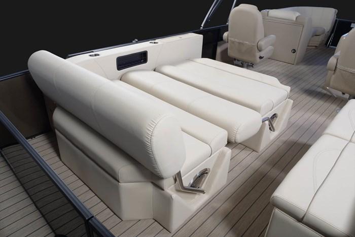 2020 Legend L-Series Dual Lounge Photo 10 sur 13