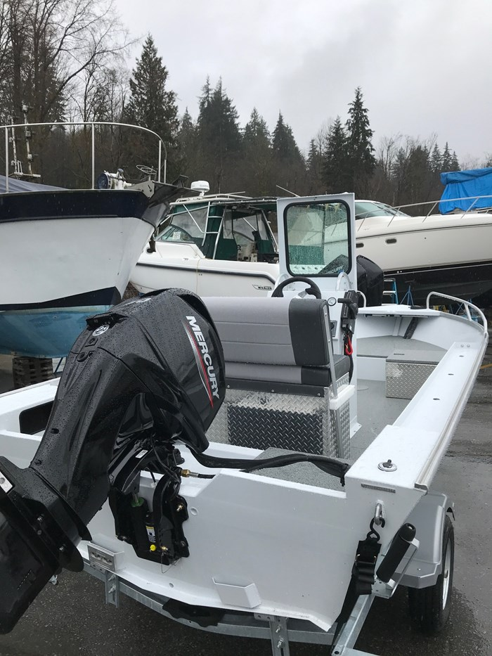 2020 Ultrasport 16 Back Country Scout Center Console - Motorwell Photo 2 of 3