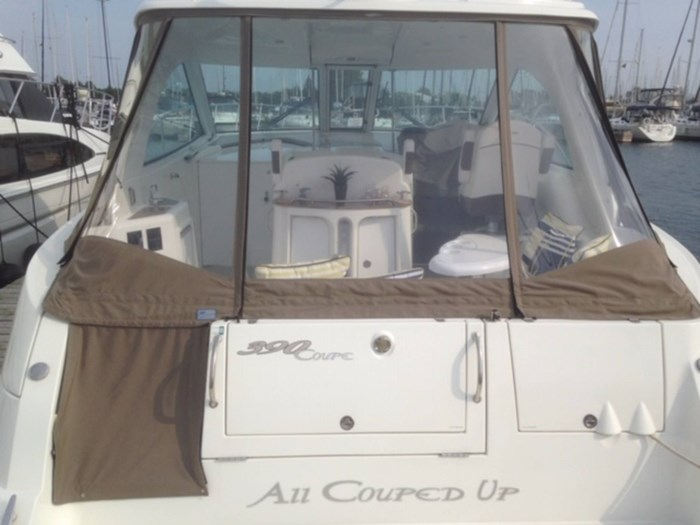 2010 Cruisers Yachts 390 Sports Coupe Photo 3 sur 7