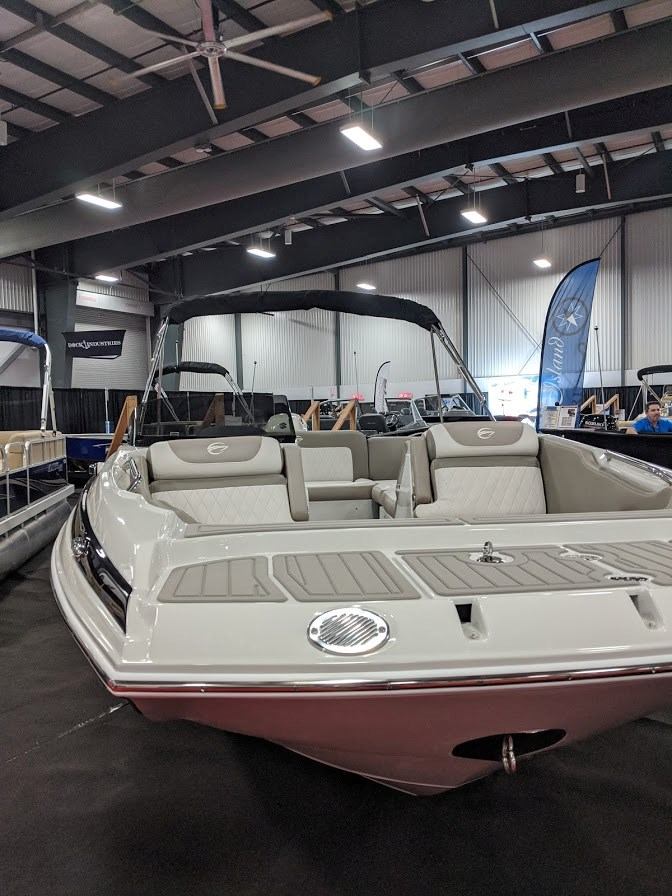 2020 Crownline E 205 XS Photo 3 of 23