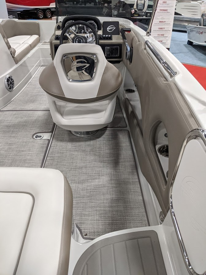 2020 Crownline E 205 XS Photo 7 of 23