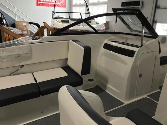 2020 Bayliner VR4 Bowrider OB Photo 7 sur 8