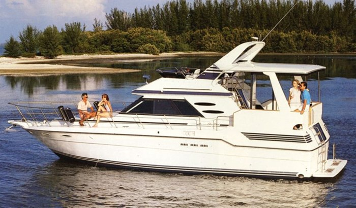 1987 Sea Ray 410 aft cabin Photo 1 of 35