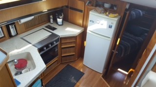 1987 Sea Ray 410 aft cabin Photo 11 of 35