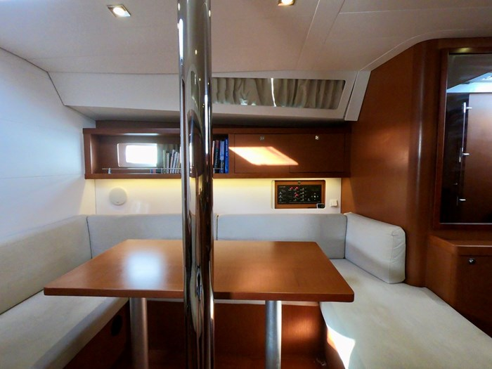 2015 Beneteau Oceanis 41 Photo 23 sur 40