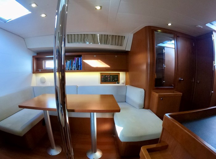 2015 Beneteau Oceanis 41 Photo 27 sur 40