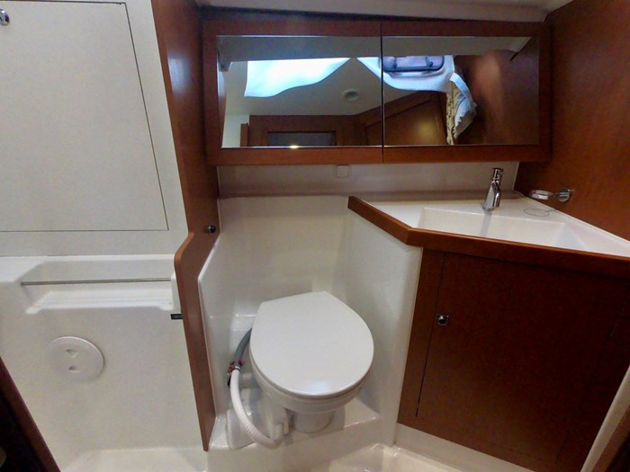 2015 Beneteau Oceanis 41 Photo 29 sur 40