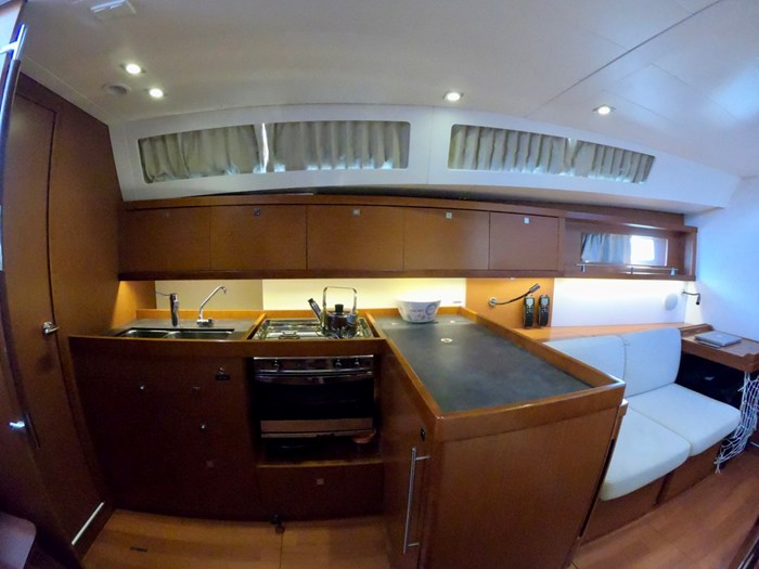 2015 Beneteau Oceanis 41 Photo 19 sur 40