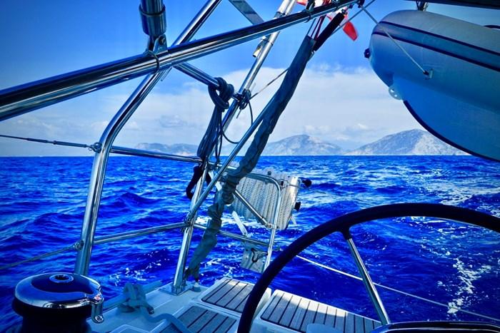 2015 Beneteau Oceanis 41 Photo 8 of 40