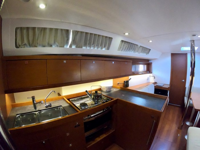 2015 Beneteau Oceanis 41 Photo 20 sur 40