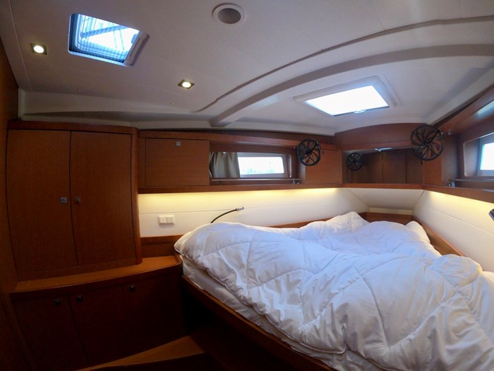 2015 Beneteau Oceanis 41 Photo 32 sur 40