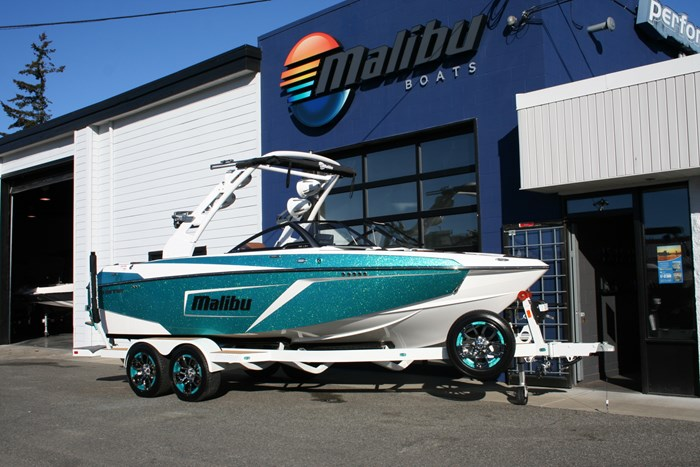 2019 Malibu Wakesetter 22LSV Photo 2 of 16