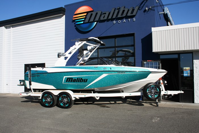 2019 Malibu Wakesetter 22LSV Photo 3 of 16