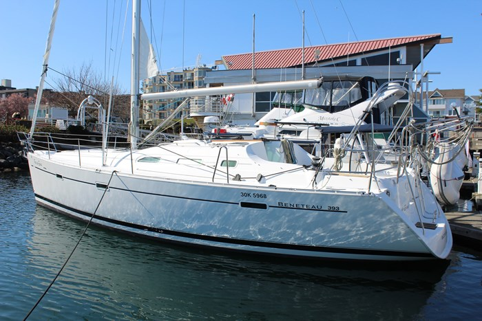 2004 Beneteau Photo 5 of 28