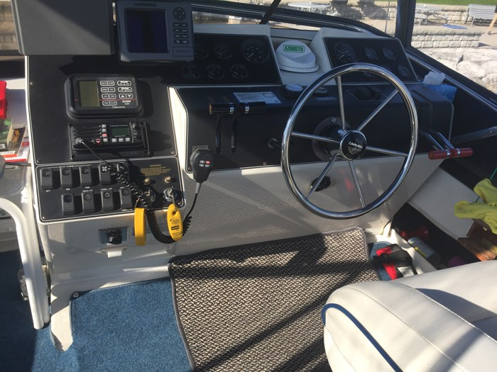 1992 Carver 30 Aft cabin Photo 6 of 13