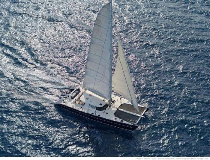 2004 JFA Catamaran Photo 7 sur 25