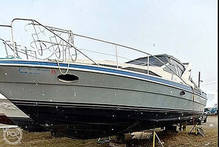 1989 Bayliner 3485 Avanti Sun Bridge Photo 8 sur 11