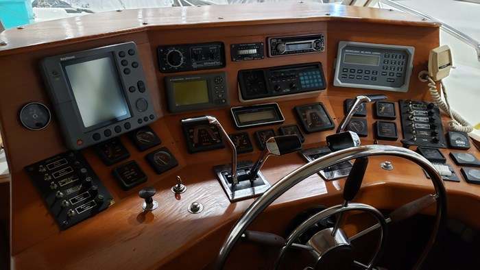 1970 Chris-Craft 350 Commander Sport Fish Photo 20 of 44