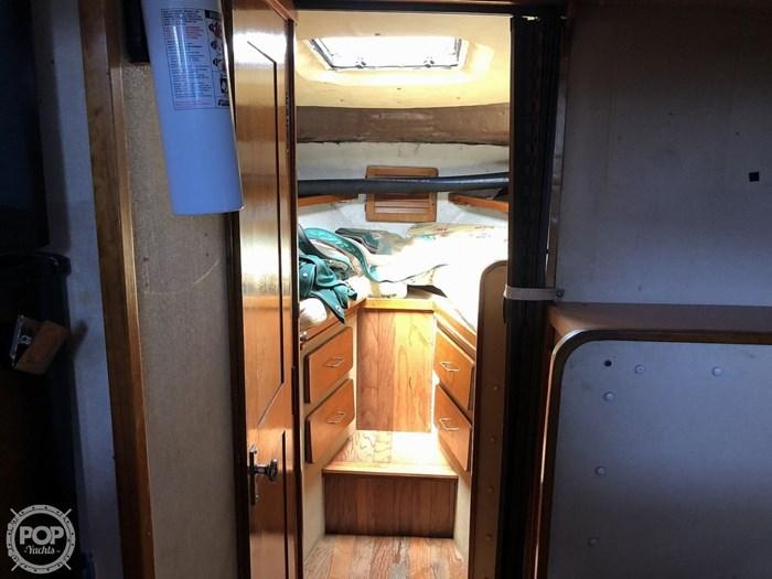 1984 Silverton 40 Aft Cabin Photo 8 sur 20