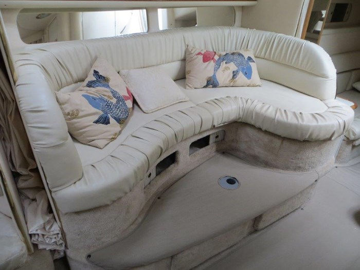 2000 Sea Ray Sundancer 340 Photo 16 of 42