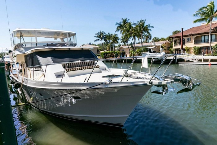 2007 Offshore Yachts Pilothouse Photo 2 of 126