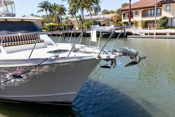 2007 Offshore Yachts Pilothouse Photo 3 of 126
