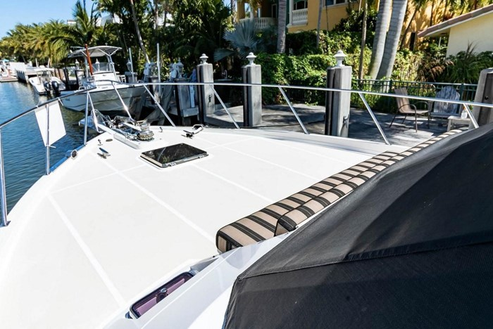 2007 Offshore Yachts Pilothouse Photo 4 of 126
