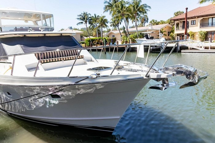 2007 Offshore Yachts Pilothouse Photo 6 of 126