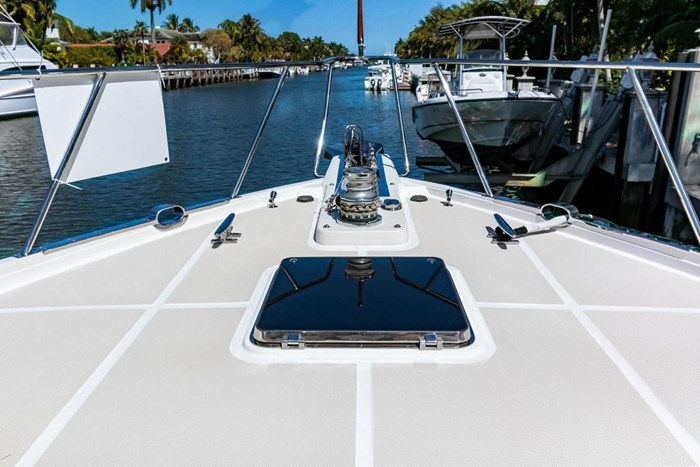 2007 Offshore Yachts Pilothouse Photo 7 of 126