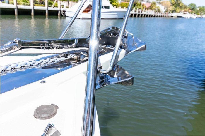 2007 Offshore Yachts Pilothouse Photo 10 of 126